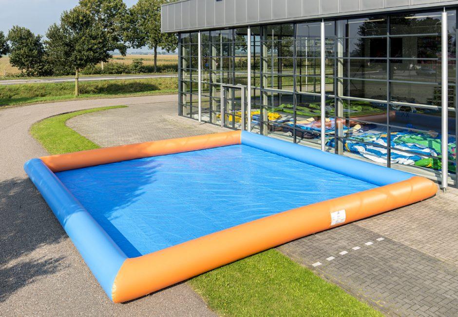 Zorbing Pool